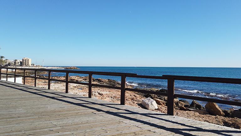paseo de juan aparicio, playas en torrevieja