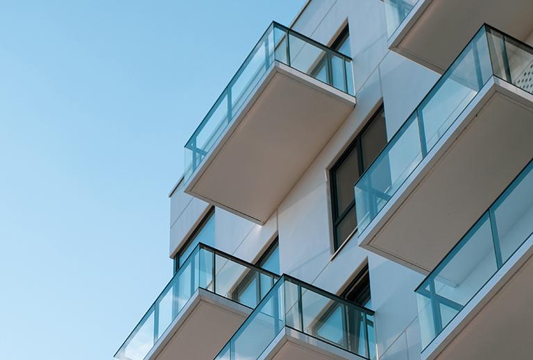Balcones de casa. Impuesto si compras casa de obra nueva en Torrevieja.